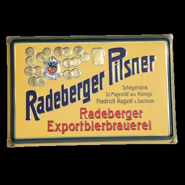 """Radeberger Blechschild mit metallischen Effekten, 60 cm x 40 cm, es ist erhältlich im Raderberger Markenshop unter """"Retro-Welt"""""""