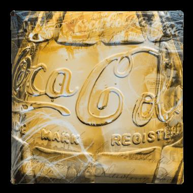Serie von drei nostalgischen Blechschildern für Coca-Cola mit sehr detaillierten Prrägungen, Schild 3