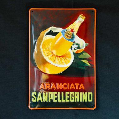 Blechschild San Pellegrino Aranciata im Format 20 cm x 30 cm Motiv aus den 5oern, für weitere Motive Pfeil klicken